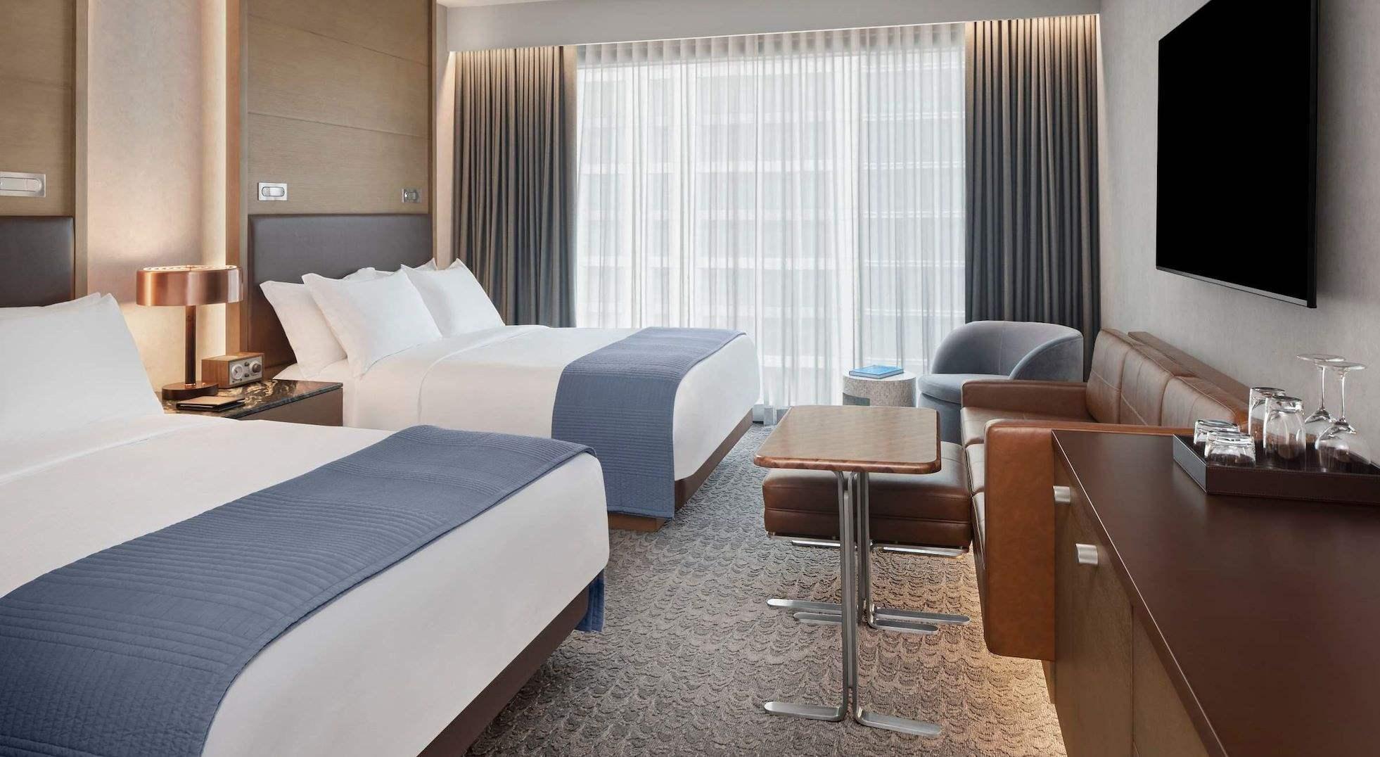 The Joseph Hotel, Nashville Deluxe Queen Guest Room